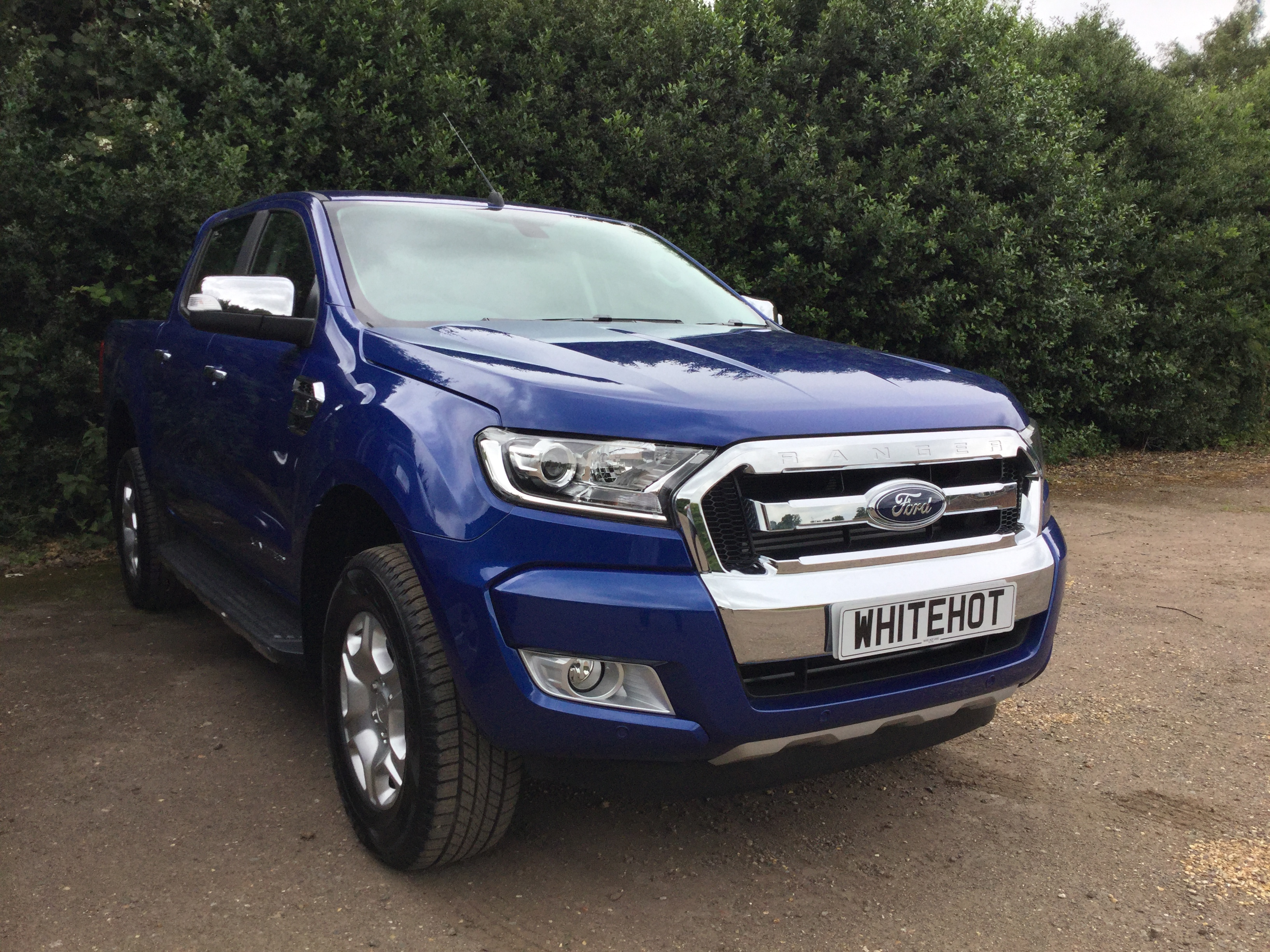 all new ford ranger limited 1 2016 model double cab 3 2 200ps white hot vanswhite hot vans. Black Bedroom Furniture Sets. Home Design Ideas