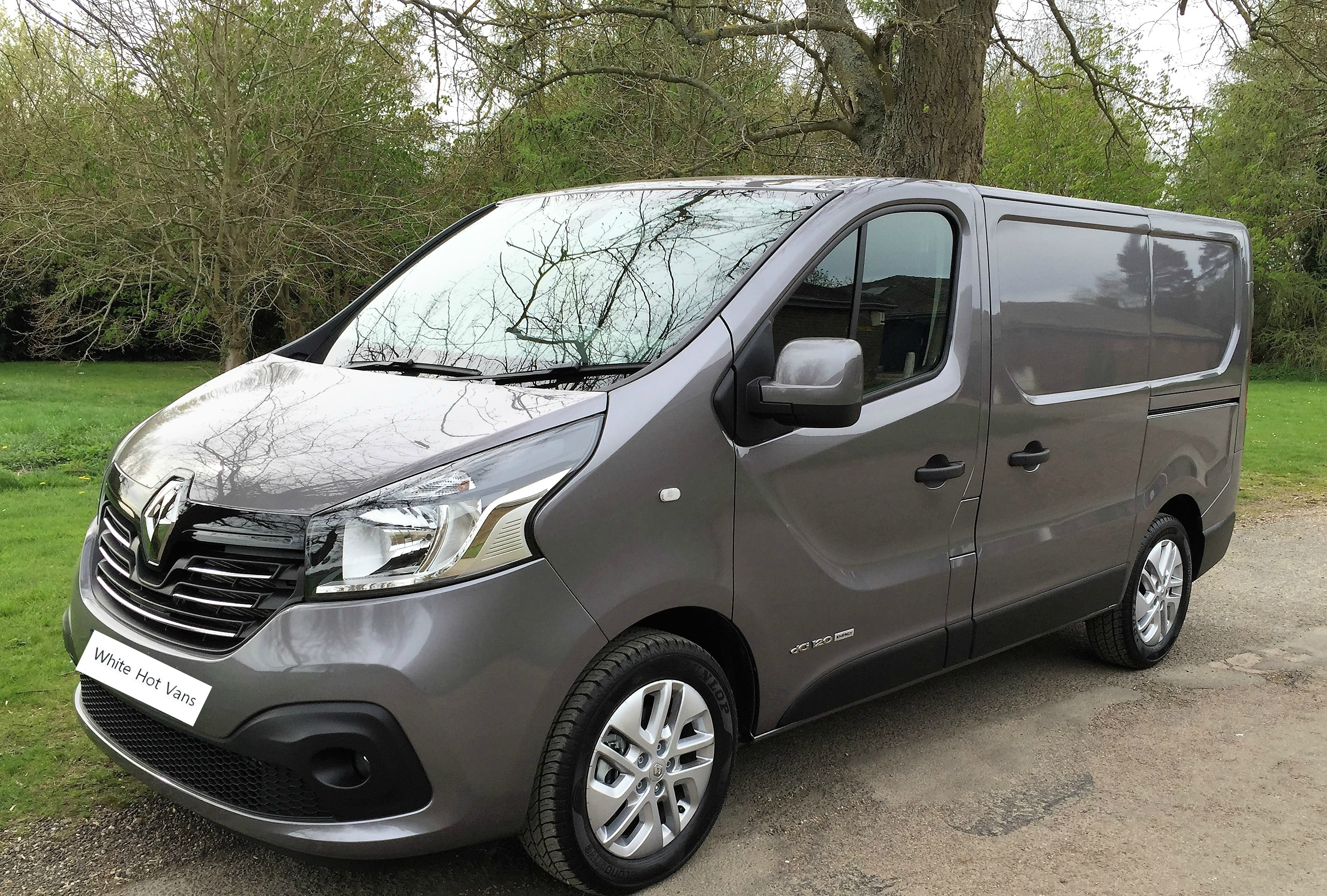 renault trafic sport sl27 energy 1 6 dci 120ps white hot vanswhite hot vans. Black Bedroom Furniture Sets. Home Design Ideas